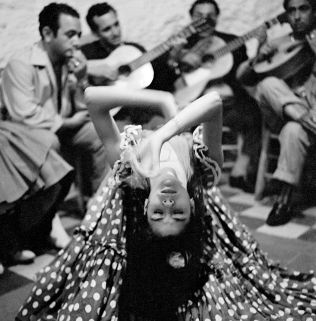 Gipsy's 'Zambas' dance in Sacromonte area of Granada, Spain, 1956 © courtesy and image by Piergiorgio Branzi